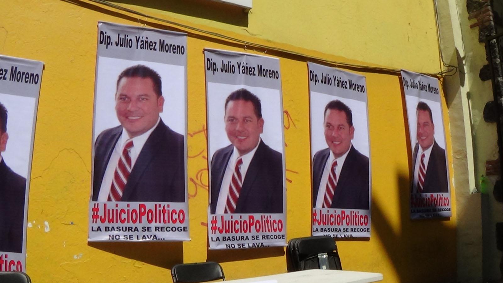 PROMUEVEN TRABAJADORES DE SIREC JUICIO POLITICO CONTRA EL DIPUTADO JULIO YÀÑEZ MORENO