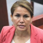 Postergan juicio contra Hortencia Figueroa por burradas de la FECC